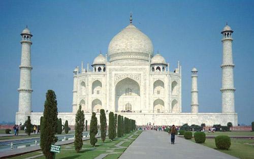 Dünyanın yeni yedi harikasından biri; Tac Mahal