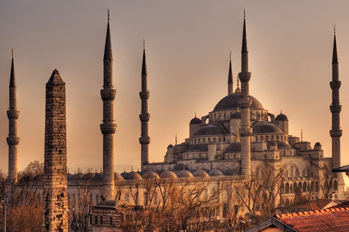 Sultanahmet Camii; hangi dönemde, kim tarafından yaptırılmıştır?